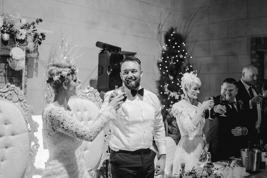 bride and groom cheers