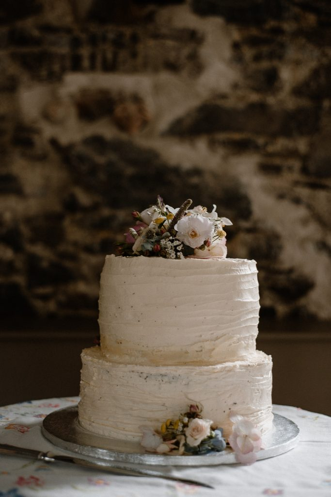 wedding cake at Orange Tree House Wedding